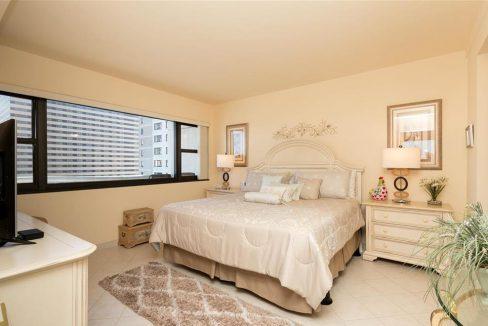 1005-1_bedroom