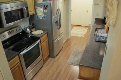 1004-1 Kitchen 3