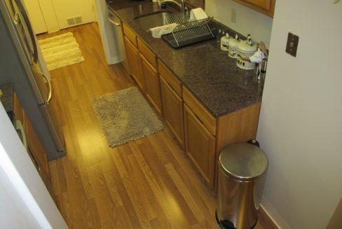 1004-1 Kitchen 4