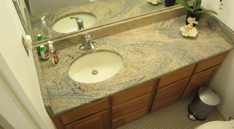 1004-1 Bathroom