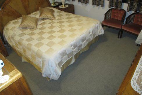 1004-1 Bedroom