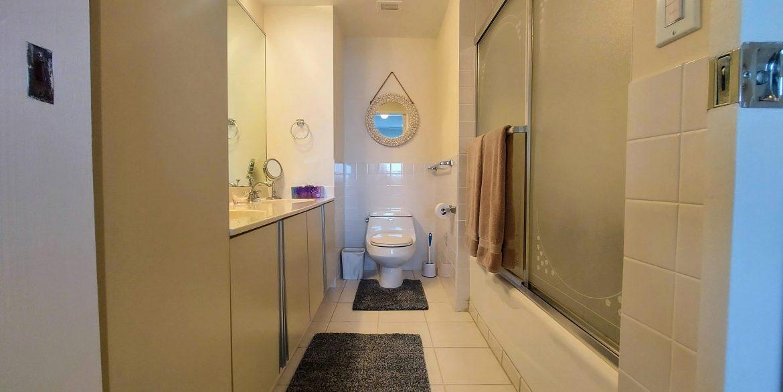 Main Bath 3205-1