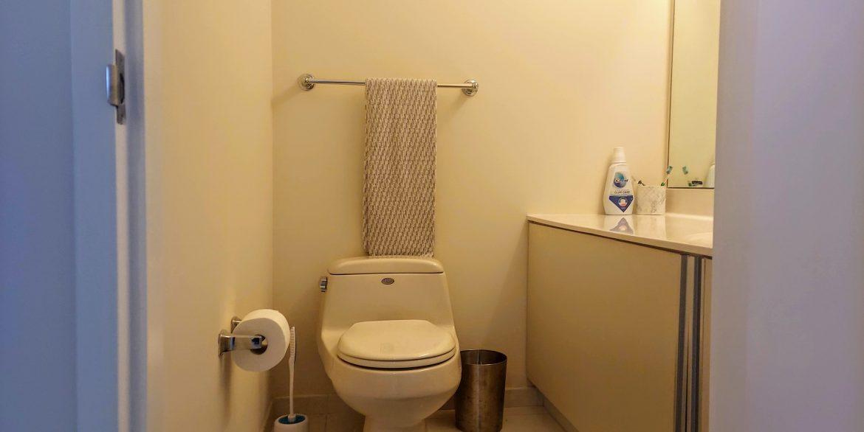 Powder room 3205-1